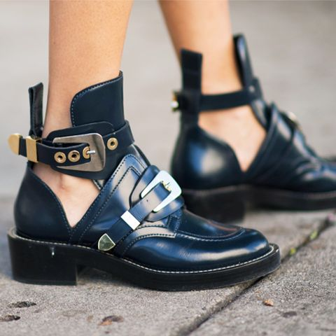 Iconic Ankle Boots: Balenciaga Ceinture Boots