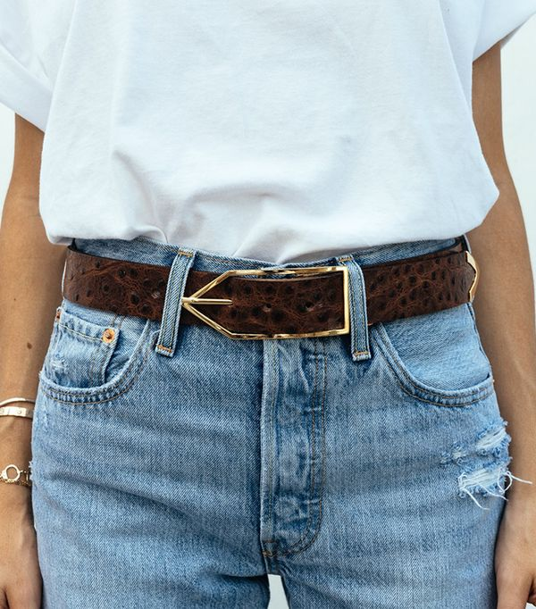 how to wear a belt