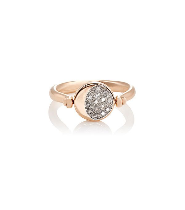 Stunning non traditional wedding rings mydomaine au for Non traditional wedding rings for women