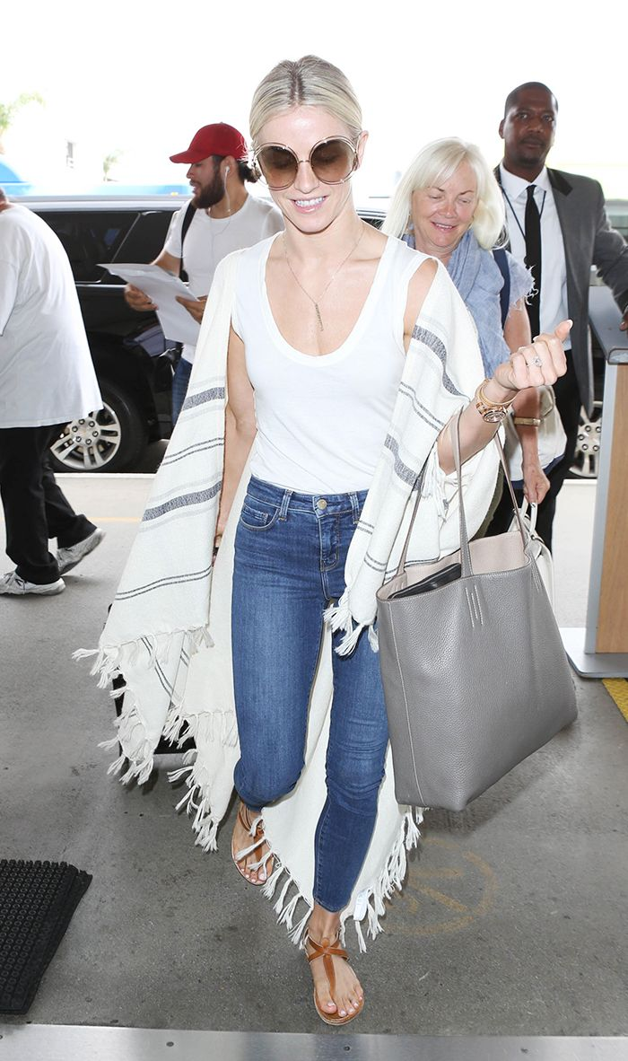 julianne hough airport skinny jeans