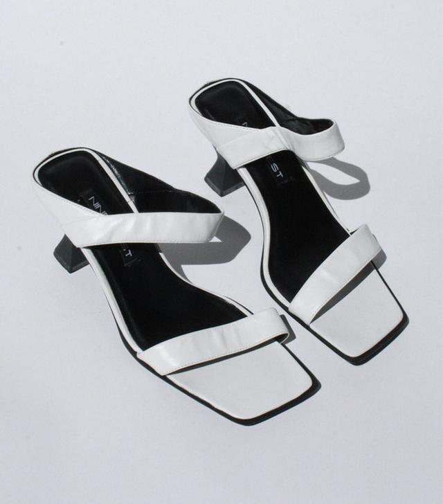 Lisa Says Gah Vintage Leather Strap Sandals