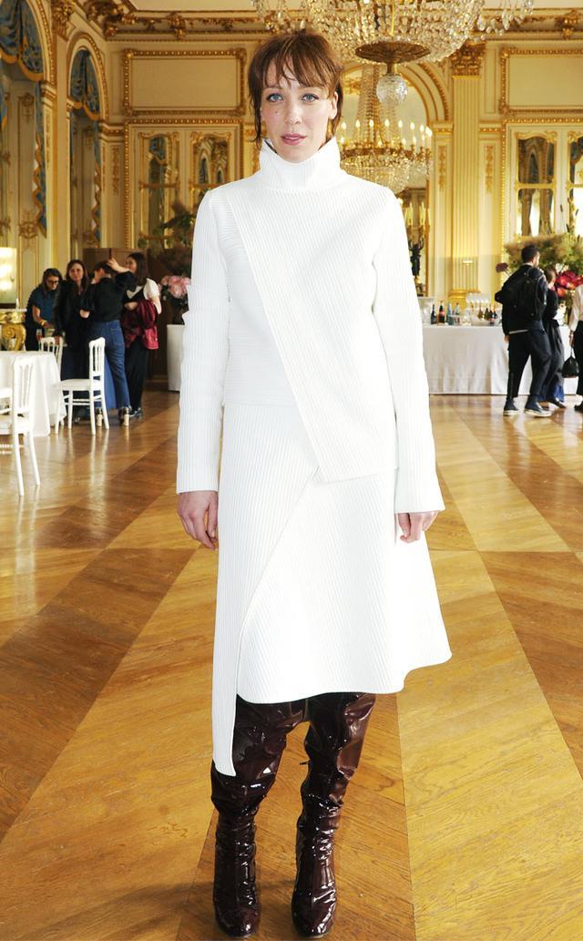 French office attire: Wanda Nylon