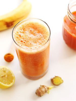 8 Immune-Boosting Smoothies We Want to Sip All Day Long