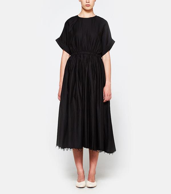 Best Summer Dresses for Work: Pleated Dress in Black