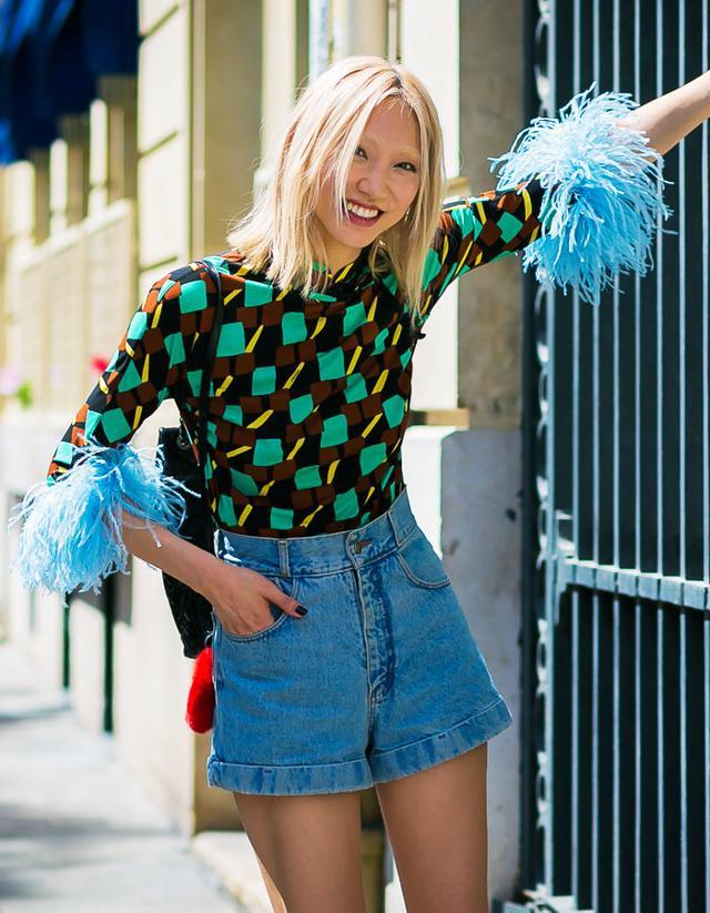 Feather fashion trend: Soo Joo Park