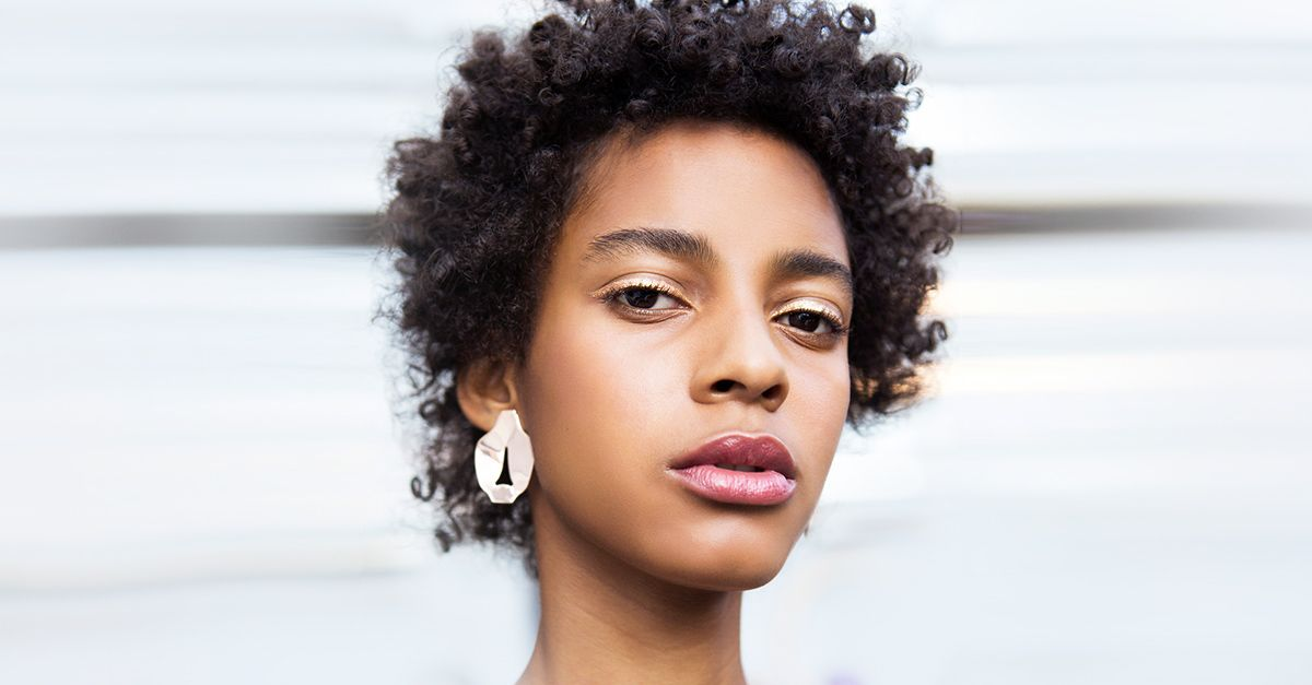 black hair essay This essay addresses black hair politics specifically in 102 black hair politics in white academia: with reference to black studies i am not my hair, i.