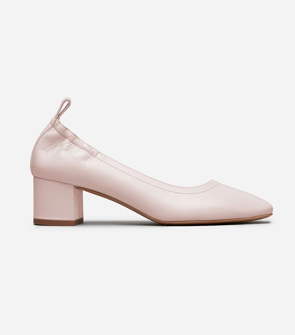Women's Ballet Pump by Everlane in Pale Rose, Size 5