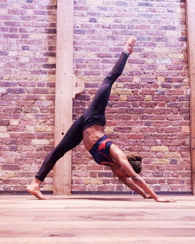 Best leggings for the gym: Corinne Naomi pilates instructor