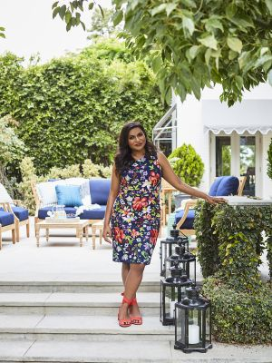 Step Inside Mindy Kaling's Stunning Backyard (Designed by One Kings Lane)