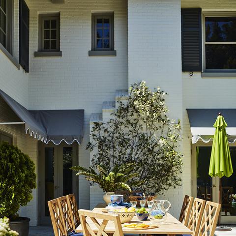 Step Inside Mindy Kaling's Stunning Backyard (Designed by One Kings Lane)