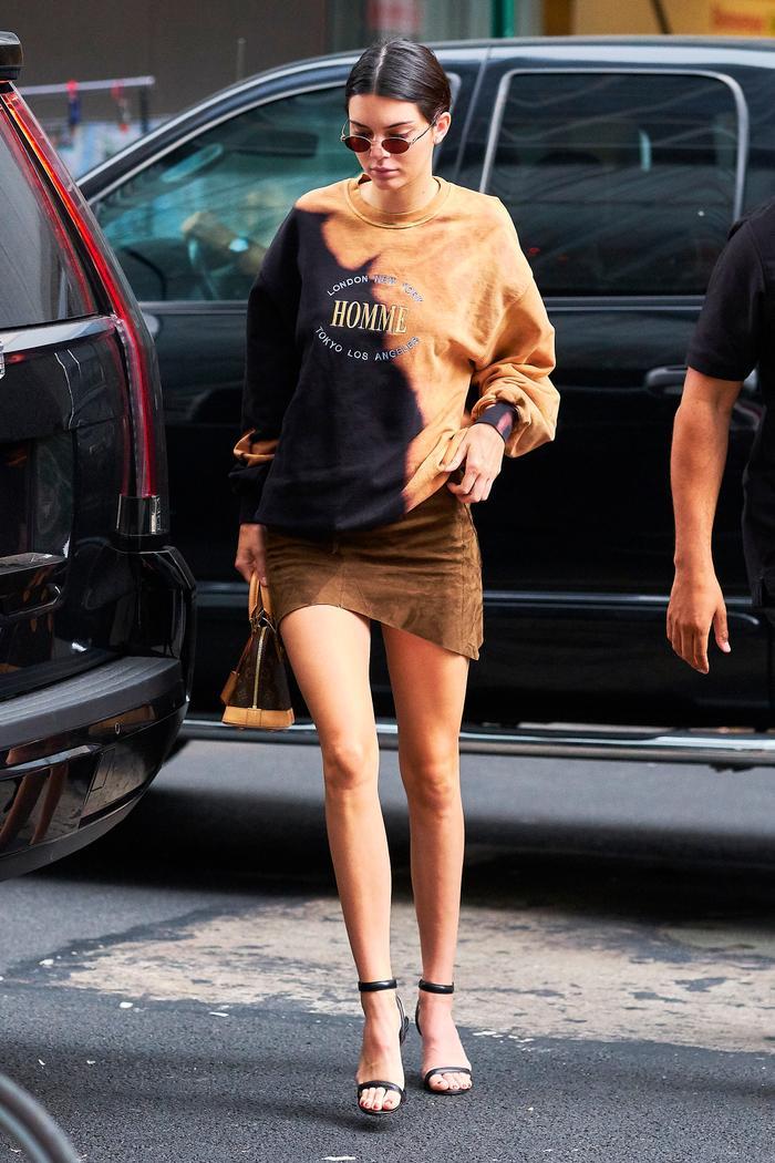 Kendall Jenner Wearing Men's Sweatshirt