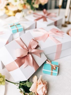 7 Unique Engagement Gift Ideas at Every Price Point