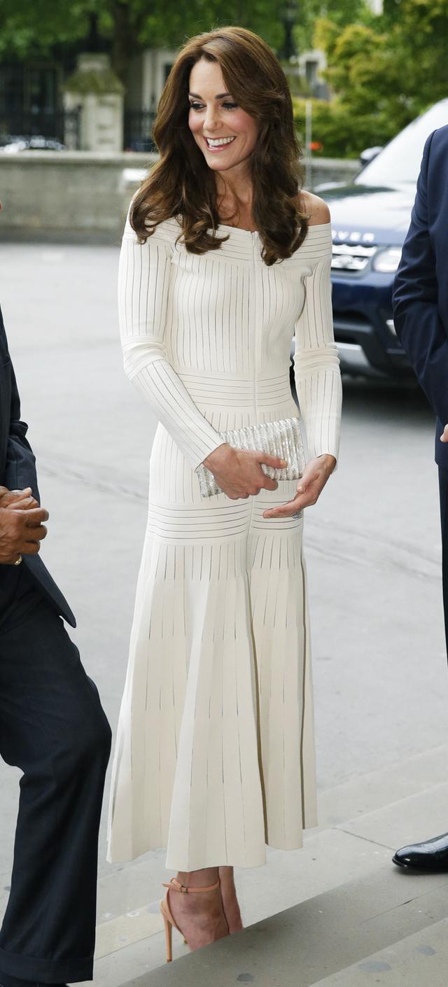 Kate Middleton style: Barbara Cassola off-the-shoulder dress