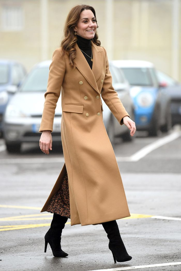 Kate Middleton Style: Massimo Dutti Coat and Zara Skirt