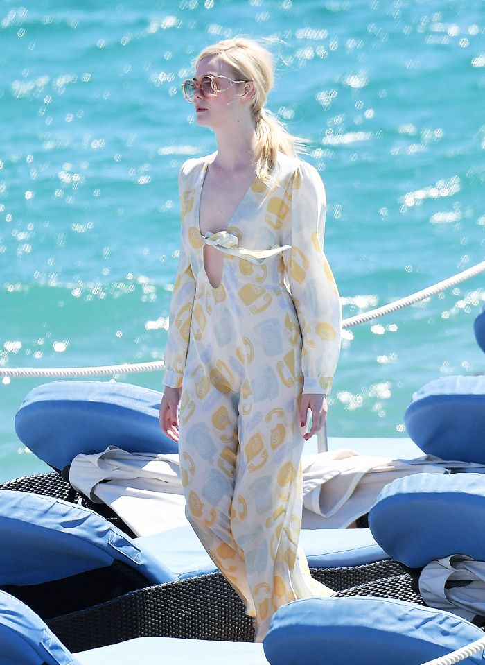 What to wear in summer when you are pale: Elle Fanning