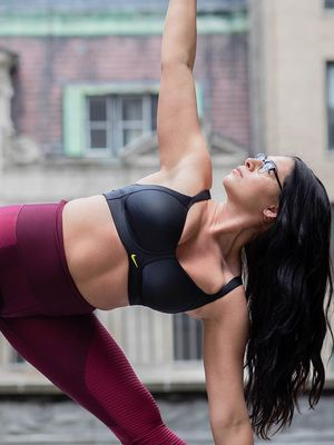 This Is What Your Yoga Instructor Is Really Thinking