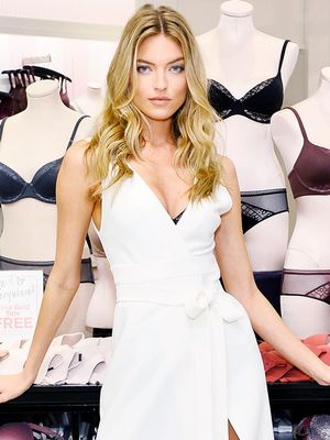 All the VS Angels Wear Their Underwear Like This (and You Don't)