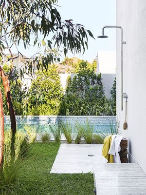8 Beautiful Alfresco Showers That Are So Pretty They Could Be Indoors