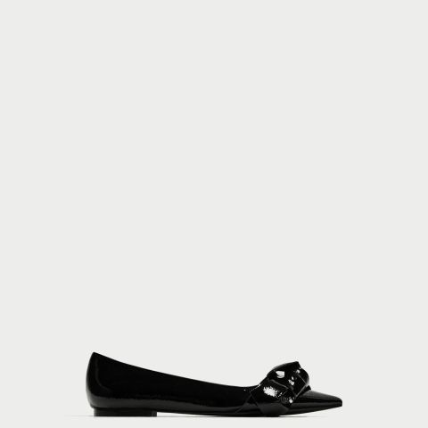 Pointed Ballerinas With Bow
