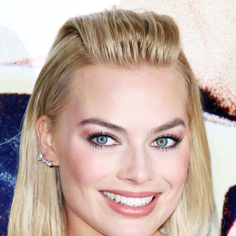 Shoulder-Length Hairstyles: Margot Robbie Slicked Back Hairstyle