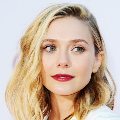Shoulder-Length Hairstyles: Elizabeth Olsen Effortless Waves
