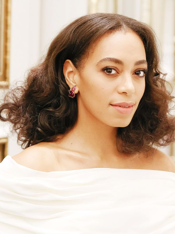 Shoulder-Length Hairstyles: Solange Knowles With Big Curls