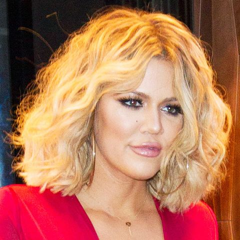 shoulder-length hairstyles: Khloé Kardashian with blonde curls