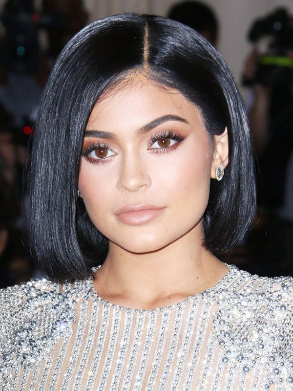 Shoulder-Length Hairstyles: Kylie Jenner With a Sleek Bob