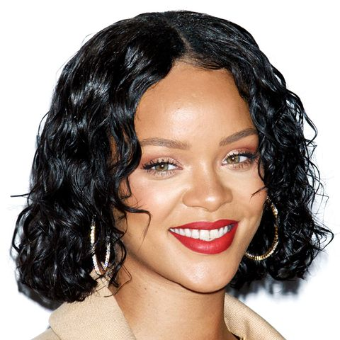 Shoulder-Length Hairstyles: Rihanna With Wet-Look Curls