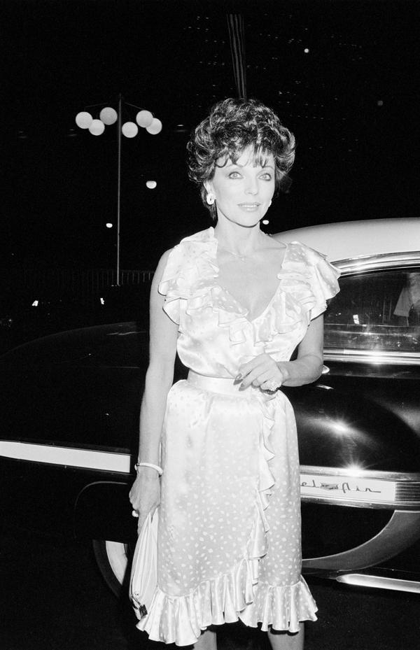 Joan Collins, 1983