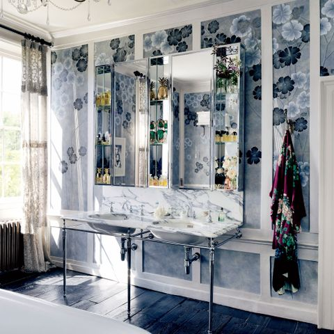 Inside Kate Moss's Perfectly Glamorous Master Bathroom