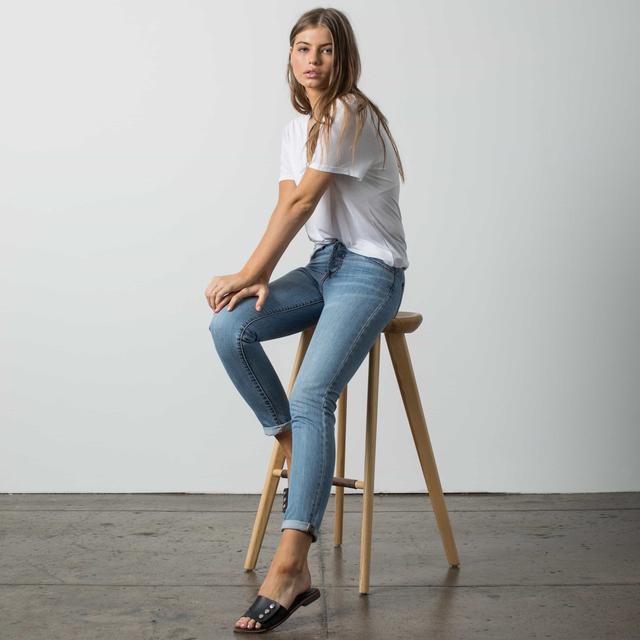 Dstld High-Waisted Mom Jeans in Light Vintage