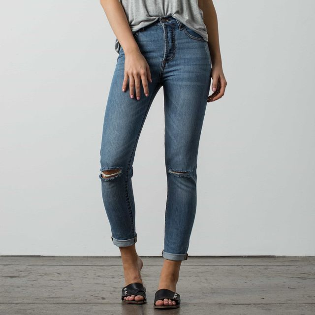 Dstld High-Waisted Ripped  Mom Jeans in Medium Vintage