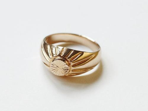 Reliquia Signet Ring