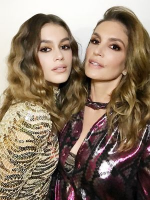 This Is Cindy Crawford's Modeling Advice for Bella and Kendall