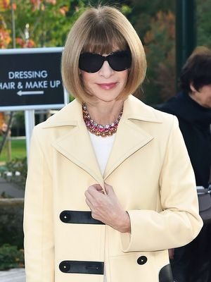 Anna Wintour Only Styles Her White T-Shirts One Way