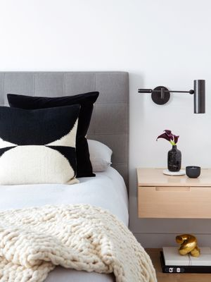 Got a Moment? 6 Small-Space Decorating Mistakes That Take Just Seconds to Fix