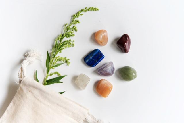 Nourish & Refine Chakra Balancing Crystal Set 16