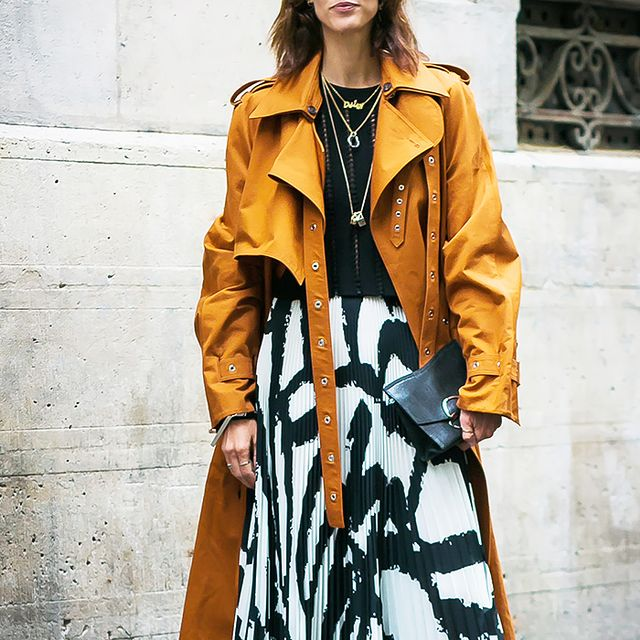 4 Summer-to-Fall Outfits That Stylish Women Always Wear