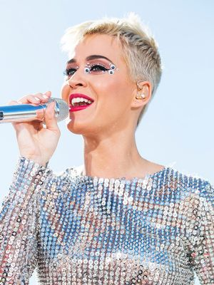 """Katy Perry Tells Us Why She's No Longer """"Hiding Behind"""" Her Hair"""