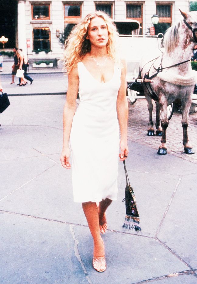 Carrie Bradshaw style: The naked shoe