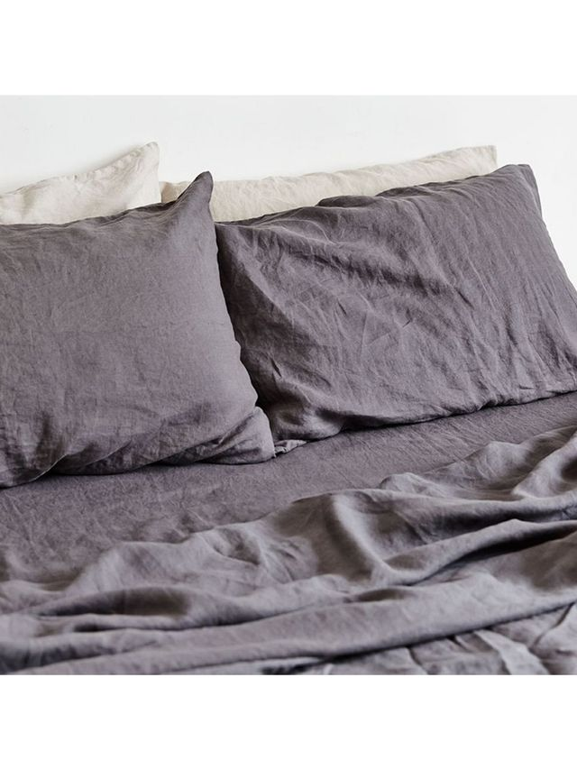 In Bed 100% Linen Fitted Sheet in Charcoal