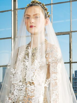 Our Theory on Why This Super-Dreamy Wedding Dress Has 60k Pins