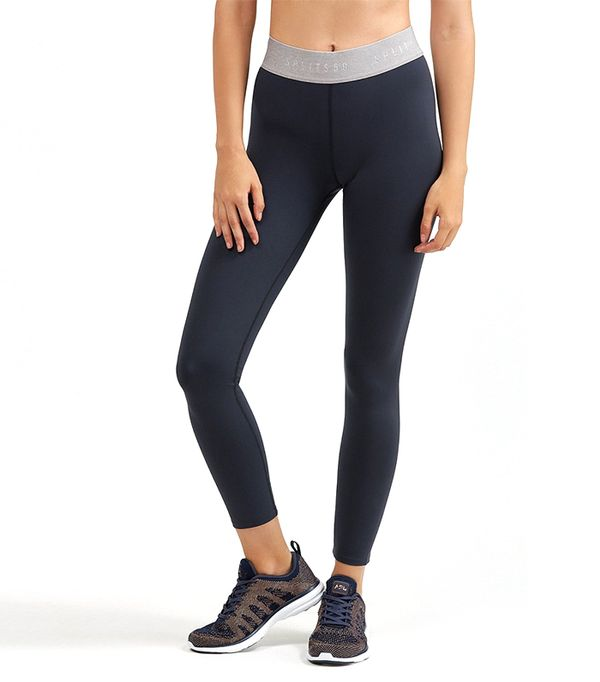 Fitness / Workout Clothes Breathable Workout Clothes and Gear to Help You Stay Cool and Dry Beat the heat (or just your buckets of sweat) with the latest innovations in breathable workout clothes .