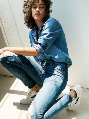 Every 60 Seconds Madewell Sells a Pair of These Flattering Jeans