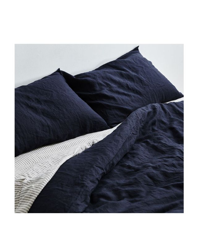 In Bed 100% Linen Duvet Cover in Navy