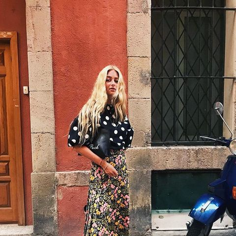 how to wear polka dots: Emili Sindlev