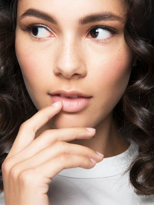 6 Vitamins for Nails to Reverse Thin, Brittle Tips