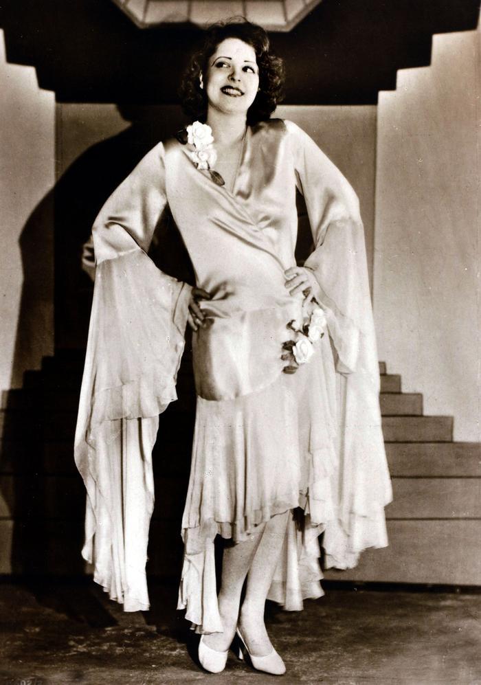 1920s Fashion: Clara Bow
