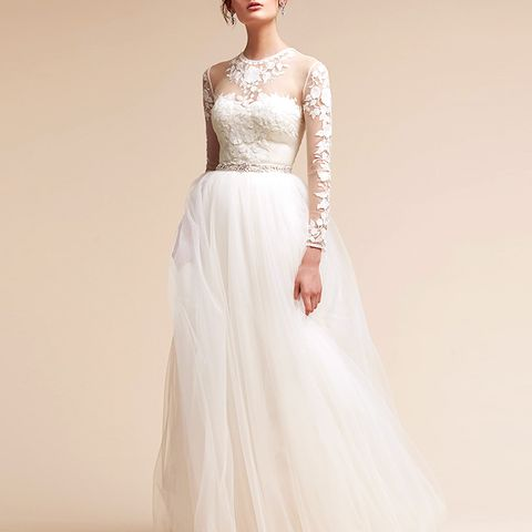 Where can i buy a wedding dress off the rack